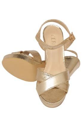 Womens Casual Wear Buckle Closure Heels
